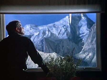dead mountaineers hotel 03